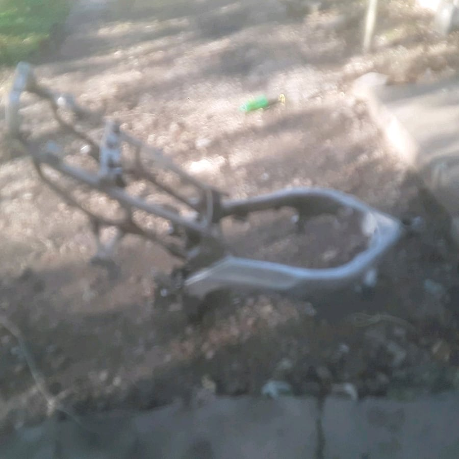 1999  yamaha yzf600r  frame with motor plus parts
