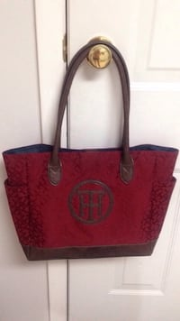 Tommy Hilfiger Shoulder Bag  Edmonton, T6E 0M1