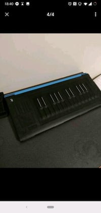 Selling ROLI Seaboard Rise 25 with blue flip case  Toronto, M5S