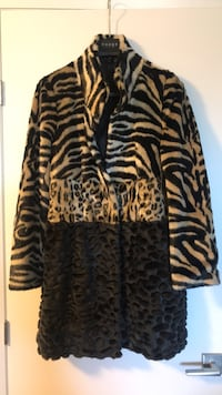 Women's faux fur jacket  Toronto, M6C 1C2