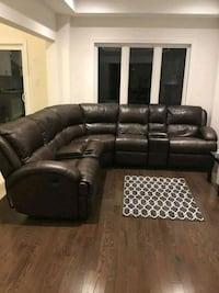 Sectional couch BROWN   Brampton