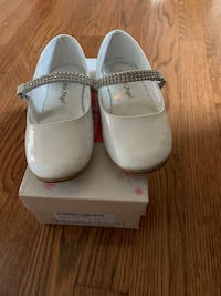 Girls white dress shoes  Rockville