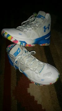 Stephen Curry basketball shoes  1627 mi