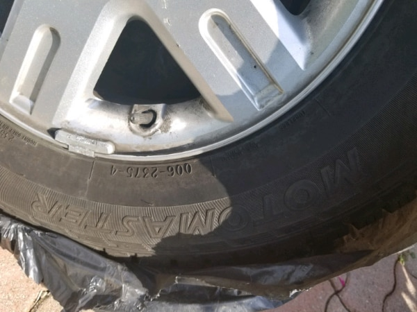 235 70 R16 ALLOY TIRES FOR SALE FITS FORD AND OTHER VEHICLE 952d8c16-39df-474e-8394-fa2ad365dc70
