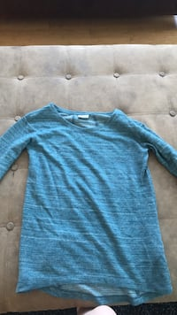 blue scoop-neck long-sleeved shirt Shediac, E4P 8R9
