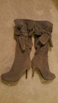 Grey bow-tie  Boots with side zips Alexandria, 22304