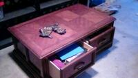 Cherry wood coffee table with drawers Redmond, 98052