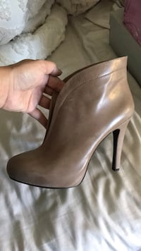Jessica Simpson leather stiletto ankle booties Myrtle Beach, 29579
