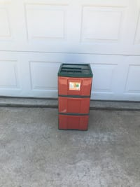 Red and green three drawer bin Omro, 54963