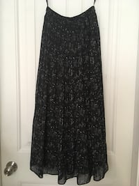 Black flower patterned long flitz skirt NEVER WORN Burnaby, V5B 2T4