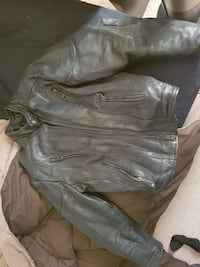Size 48 leather motorcycle jacket Calgary, T3A 5R4