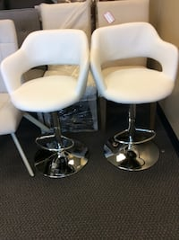 New out of box bar stools Vaughan, L4K 4Z9