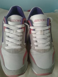 Brooks shoes Annandale, 22003
