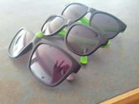 three black wayfarer sunglasses Kelowna, V1X 7T7