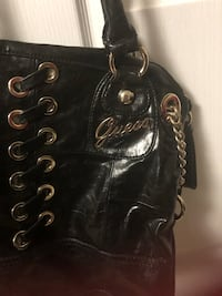 Leather Guess bag Brampton, L6V