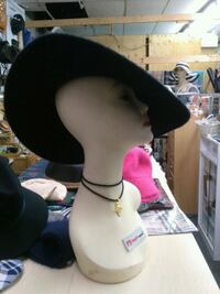 Ladies Hat 534 km