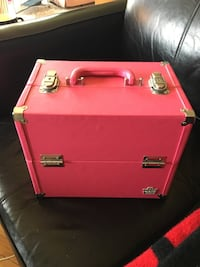 Carry case and tons of nail polish Calgary, T3K 1K7