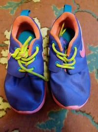 blue-pink-and-orange Nike Roshe Run shoes Poughkeepsie, 12601