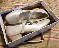 ***MUST GO NOW*** (BRAND NEW) GIRLS SPARKLY SHOES  Toronto, M4C 2R4