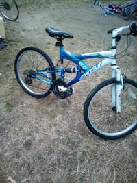 B 24 min boys bike I'm in excellent condition