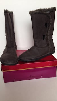 Grey faux suede boots. women's size 10. Washington, 20004