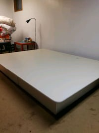 Queen size bed - Pick Up only