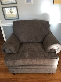 BRAND NEW Oversized chair Annapolis, 21409