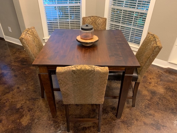 Amish Made Kitchen Table with 4 Chairs
