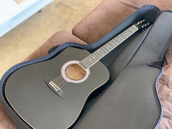 Black Acoustic Guitar with Carrying Case and Beginner's Instruction Manual 90ffb1fa-28ed-4922-b1f6-e084c3a9453f