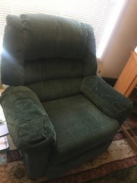 2 recliners and a sofa recliner