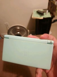 Nintendo ds lite green with r4 card Markham, L3T 7W1