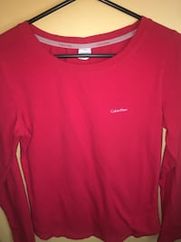 Calvin Klein long sleeve red and is the original price was $30 price wa Phoenix, 85029
