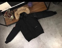Canada Goose Jacket size fits Large it xL North Vancouver, V7J 2A3