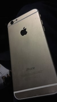 Gold iphone 6 *screen cracked*