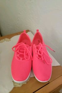 LADIES HOT PINK SHOES