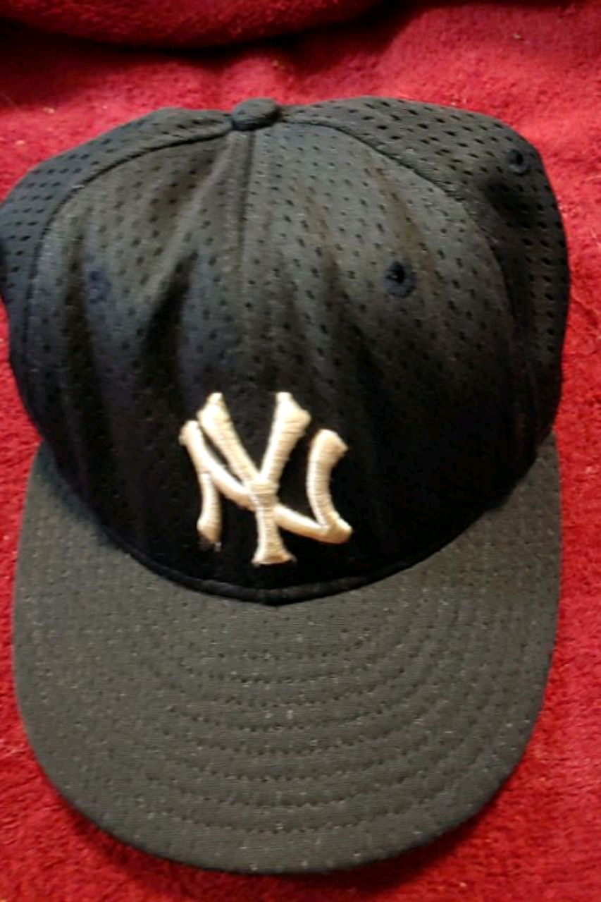 Photo Officially Licensed NEW without tags New York Yankees cap