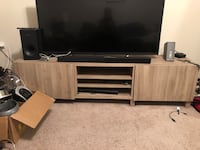 TV STAND ONLY (Ignore Mess) Anaheim, 92801