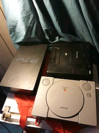 Playstation 1 playstation 2 and Sega Saturn controller's and games