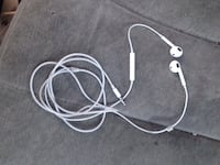 Apple earbuds with mic Yakima, 98908