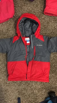 columbia size 4 youth winter jackets  Calgary, T1Y 5T7