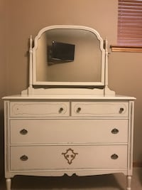 Beautiful vintage white dresser with big mirror Maple Ridge, V4R