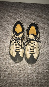 Merrell waterproof hiking shoes size 11.5 Manchester, 03104