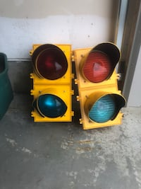 Red and green traffic lights  New Tecumseth, L0G 1W0