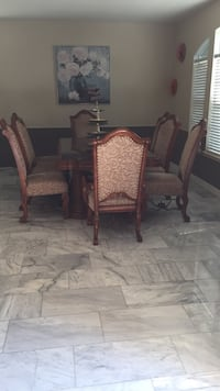 Dinning table and cabinet Sugar Land, 77479