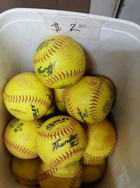 11 inch softballs coed girls 2 each Avondale, 85323