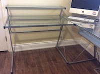 Lshape glass top desk. Milton, L9E 0X8