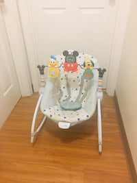 Mickey mousse bouncer seat