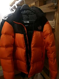 The North Face puffer size M. Male Kitchener, N2B 2G2