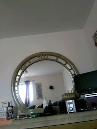 round brown wooden framed mirror Niagara-on-the-Lake, L0S 1J0