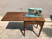 Vintage Singer sewing machine table Markham, L3R 7S1